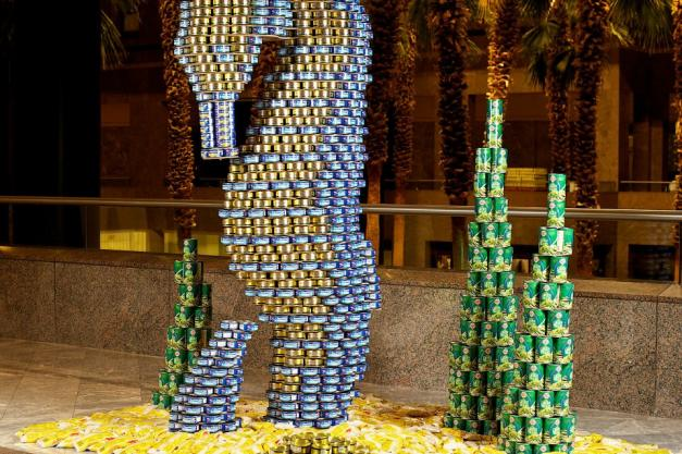 Canstruction seahorse